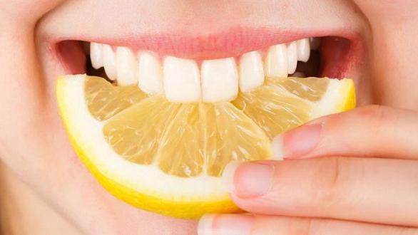 TOP 4 ưu điểm của bọc răng sứ so với trám răng 3