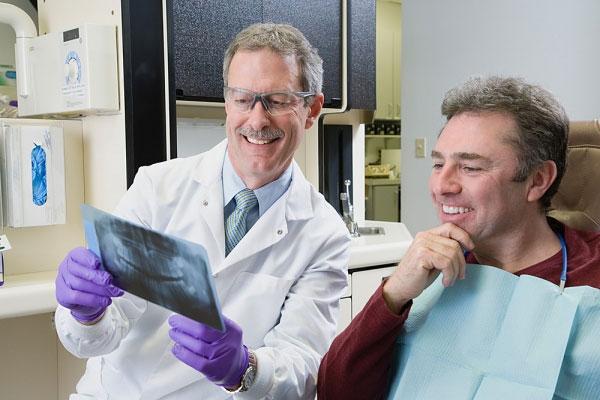 Khô miệng ở người già - Nguyên nhân & Cách điều trị AN TOÀN 3