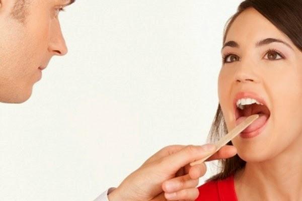 Khô miệng bị bệnh gì và có nguy hiểm không?