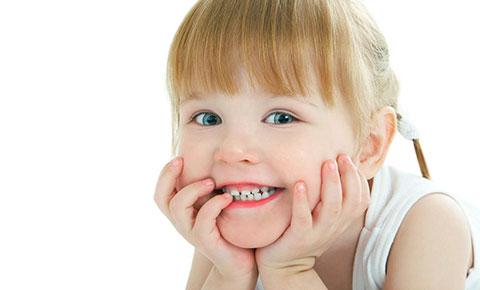 Răng thưa ở trẻ