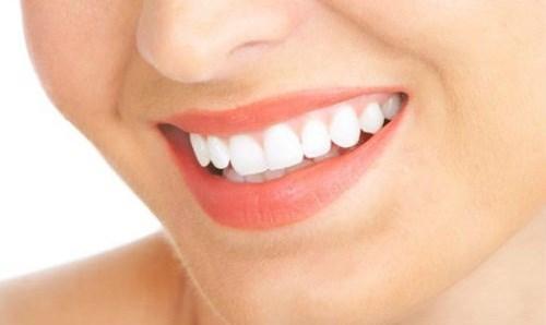 Giải mã thực hư răng thưa thừa của và răng thế nào là quý tướng 2