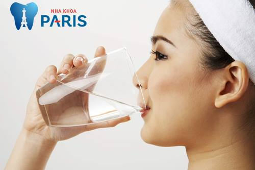 Khô miệng là bệnh gì - Nguyên nhân & cách điều trị DỨT ĐIỂM 4