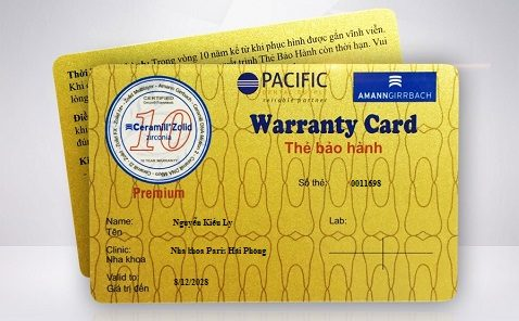 Thẻ bảo hành răng sứ cho khách hàng.